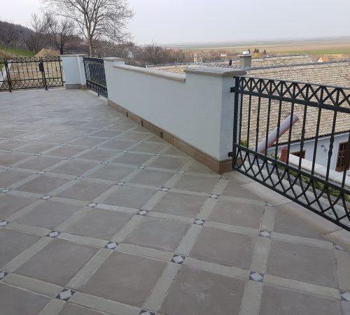 Bodenfliese, Ecksteine, Pflastersteine, Terrassenplatten, Steinoptik, Betonsteine, Mauer/Zaun, Stufe, Randsteine, und noch vieles Mehr...
