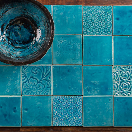 handgefertigte Keramikfliese